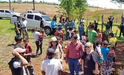 """HOY / Indígenas denuncian despojo  de sus tierras y nuevamente  Indert es el """"sospechoso"""""""
