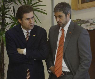 Acta entreguista: Informe del Congreso podría reactivar juicio político de Abdo y Velázquez, según senador