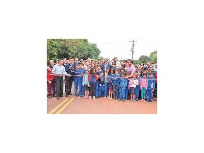 Marito inauguró la primera ruta de su Gobierno, de 11 km