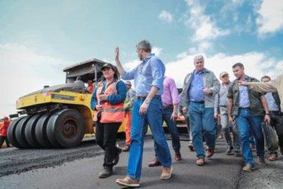 Jefe de Estado resalta millonaria inversión en tramo Guayaibí