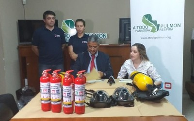 Fire Masters donó equipos a la Fundación A Todo Pulmón Paraguay