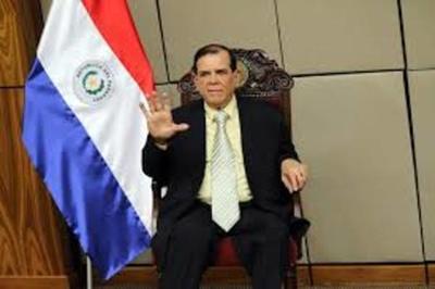 Senado aprueba aumentar a G. 5 millones la pensión para Carlitos Vera