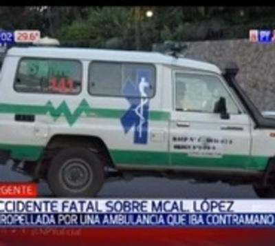 Ambulancia que no llevaba pacientes atropella y mata a mujer