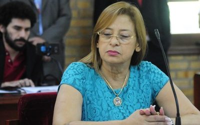 Lilian de Aguinagalde guarda por lo menos 400 expedientes de contribuyentes