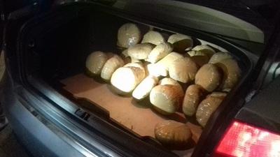 Detienen a ex cónsul paraguayo transportando marihuana en lujoso automóvil