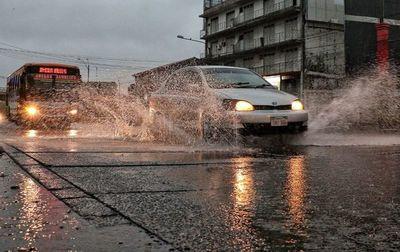 Anuncian fin de semana con lluvias y fresco en todo el país