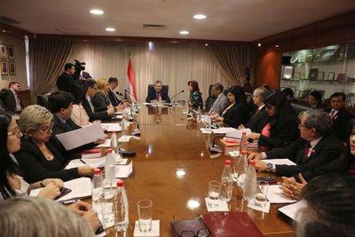 Ministros se reunieron con gremios de abogados