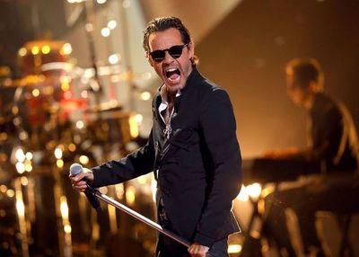 Marc Anthony rinde tributo a José José en los Latin American Music Awards