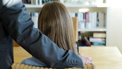 Renuncia docente tras denuncia de acoso en Derecho UNA