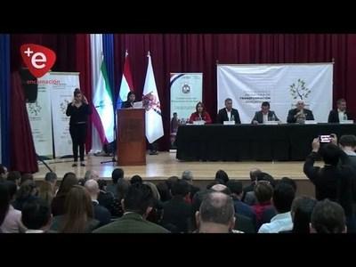 EN ITAPÚA, ABORDAN POLÍTICA EDUCATIVA DE NUESTRO PAÍS