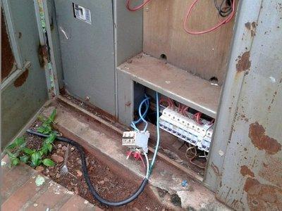 Comerciantes son imputados por conexión clandestina de electricidad