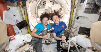Histórico: dos doñas patean en el espacio
