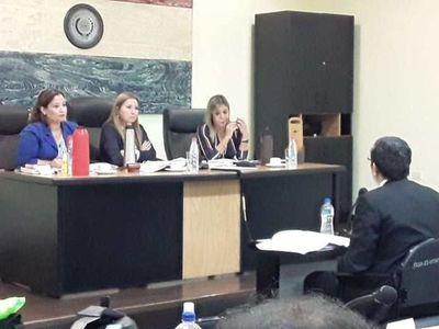 Fiscal apelará condena contra ex contralor y secretaria vip
