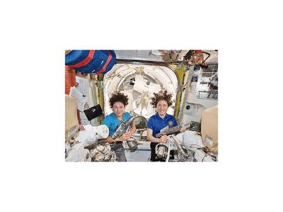 Histórica caminata espacial de mujeres estadounidenses