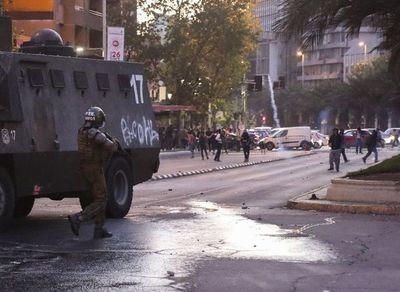 Intensos disturbios en Chile por suba en Metro