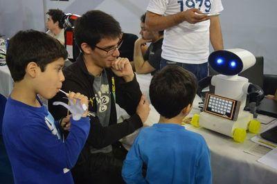Con éxito se desarrolla tradicional Expo Tecnológica y Científica en la UNA