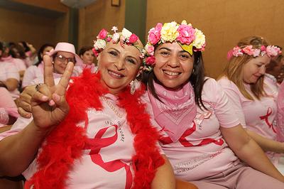 Presidente hace un llamado para realizarse controles preventivos para prevenir cáncer de mama