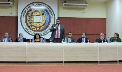 Ministra Llanes participó de la Audiencia Pública con abogados