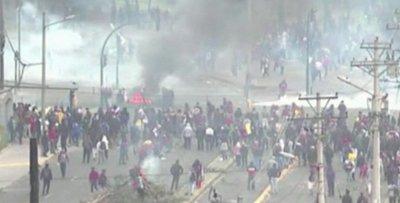 Manifestaciones en Ecuador causa muerte de indígena