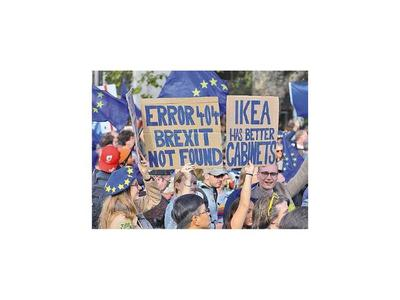 Londres pide  prórroga del brexit tras revés de Johnson