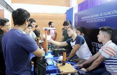 Tradicional Expo Tecnológica y Científica de  la FP-UNA