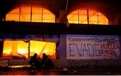 Al menos tres muertos deja incendio de un supermercado en Chile