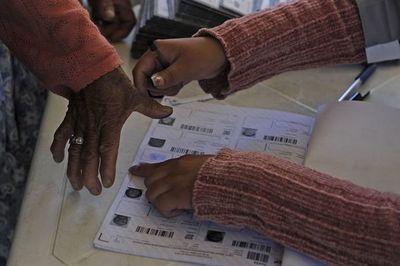 Comienza votación presidencial en Bolivia