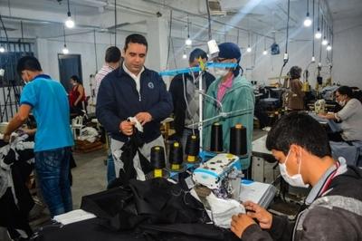 Mipymes de Central recibieron máquinas y capacitación para mejorar sus ingresos