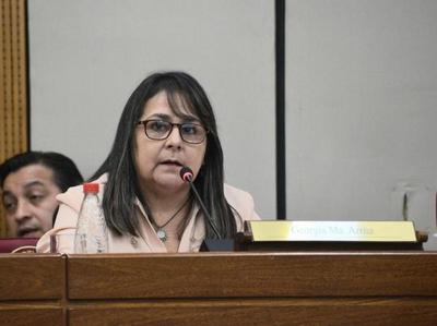 Como si 125 parlamentarios no fueran demasiados, propuesta del PPQ habilita a que aumenten