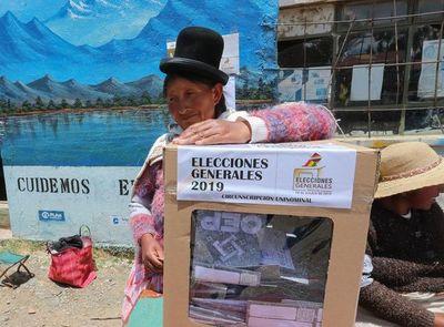 Bolivia aguarda en calma resultados de las presidenciales