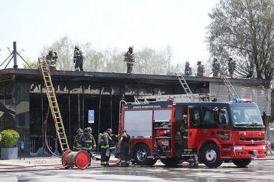 Cinco muertos en incendio de fábrica saqueada en Chile