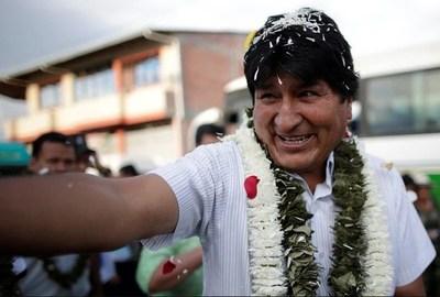 Bolivia: Morales obtiene el 45,28% de los votos y Mesa 38,16%. Habrá segunda vuelta