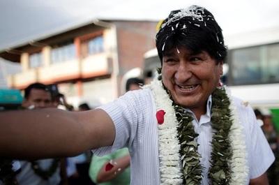Bolivia: Evo obtiene el 45,28% de los votos y habría segunda vuelta