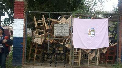 Se acentúa conflicto en colegio de Itauguá