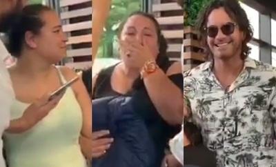 Dos mujeres lloraron de emoción al ver a Mario Cimarro