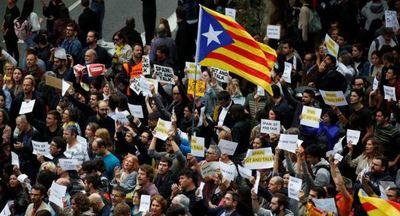 Barcelona se sumerge en protestas por la visita de Pedro Sánchez