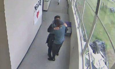 Con un abrazo, maestro desarma a un alumno y evita una masacre