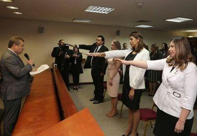 Juraron juezas para la Capital y uno para Itapúa