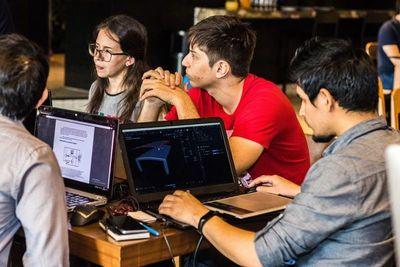 NASA Space Apps Challenge por primera vez en Paraguay