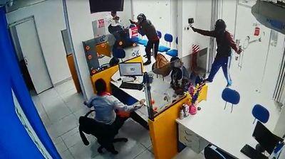 Intento de robo a financiera deja un asaltante menor de edad fallecido
