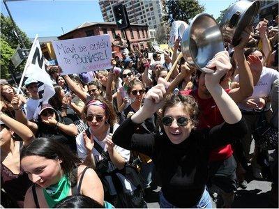 Miles de ciudadanos se manifiestan en Chile en nueva jornada de protestas