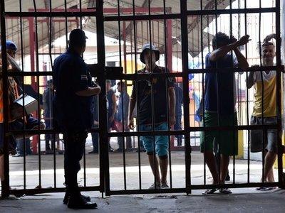Más de 1.600 guardiacárceles van a huelga desde este martes