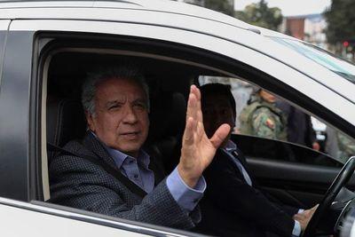 """Presidente de Ecuador tilda de """"asno"""" a Maduro"""