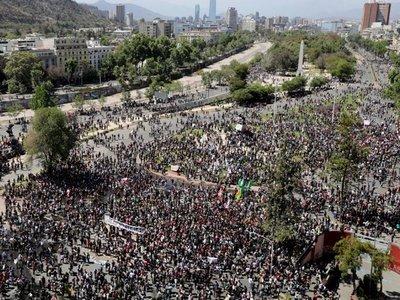 El toque de queda sigue en  Chile ante persistencia de los disturbios