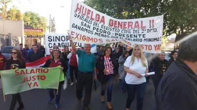 Funcionarios del Registro Civil iniciaron huelga de 30 días