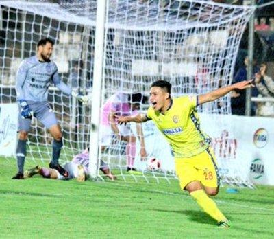 Deportivo Capiatá se alzó con el triunfo ante Santaní