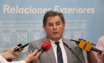HOY / Representante de Acnur que  'salvó' a Arrom, Martí y Colmán,  en Cancillería y a boca cerrada