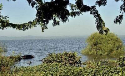 Joven desapareció en el Lago Ypacarai y dejó G. 13 millones en su moto