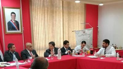 Acevedo busca consensuar modificación de la Carta Orgánica de la Policía Nacional