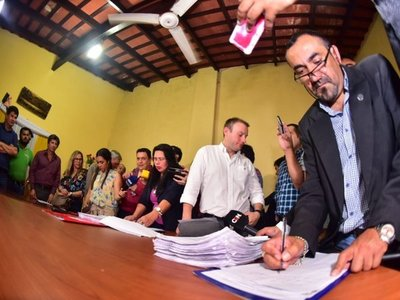 Concejales de Lambaré aprueban pedido de intervención municipal